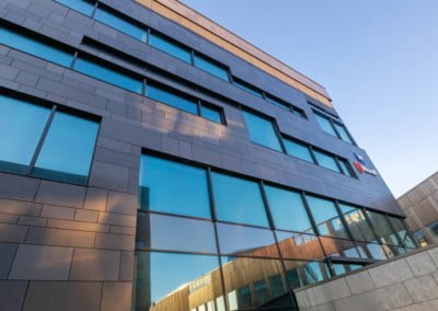 70/35 sst- lam-Fasadeglass RAL 9005 Rubicon